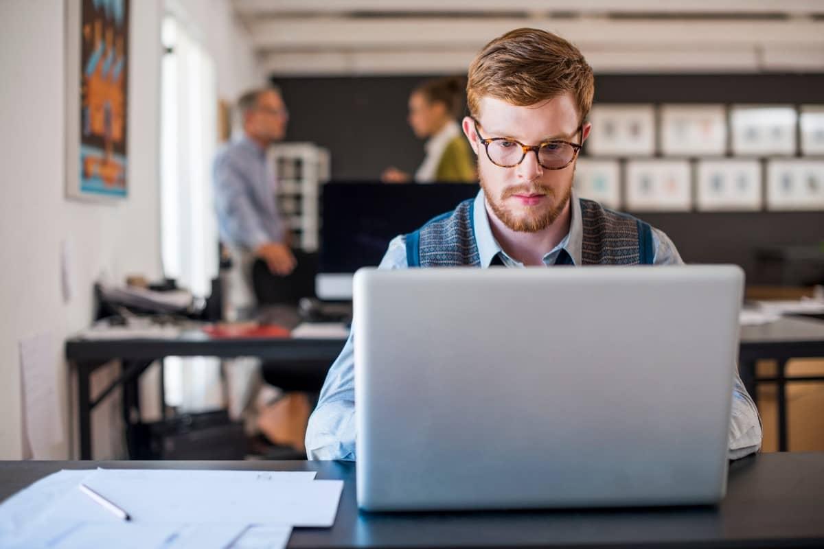 8 erros comuns no reembolso de despesas corporativas que você deve evitar
