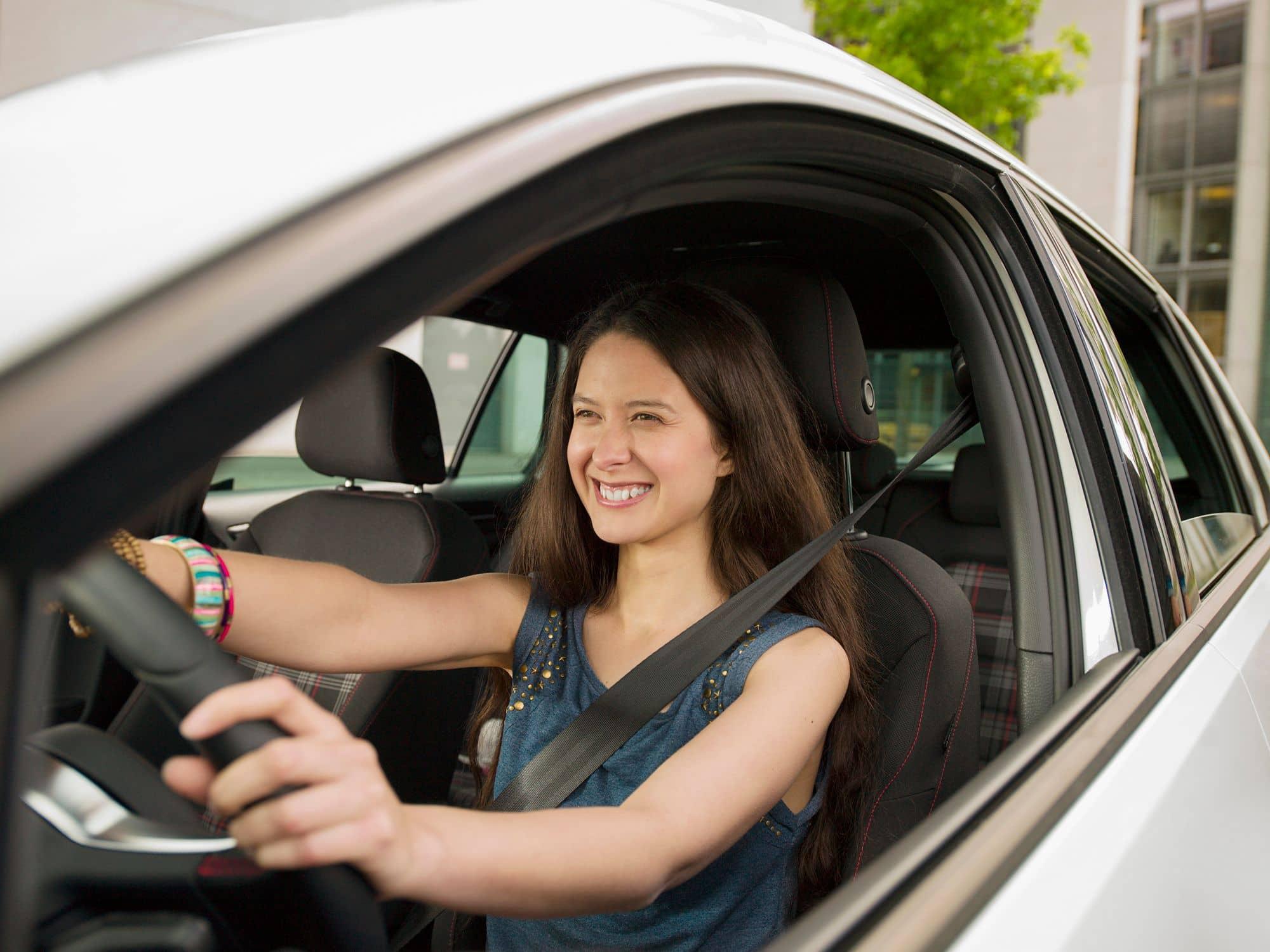 Quais são as regras para trabalhar com carro próprio? Entenda aqui